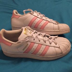 Adidas superstars! Slightly used/color pink.
